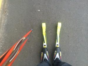 """Tuff dag på jobbet idag, fick testa åka rullskidor som gick snett och samtidigt bröt jag mot min """"icke mer träning denna veckan"""", nästan synd om mig! :) Blev 10 min totaltid."""
