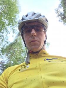 Lita skit blev man allt. Känner mig inte alls så bra som att använda den gula Tour de France ledartröja. Men känner att jag blir lite mer aggressivare och vågar mer utför under detta pass än förra. Tror jag har stor nytta att våga mer nerför även vintertid.