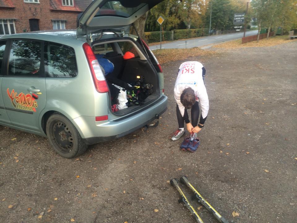 Oskar förberedde sig för att rulla lite i Skåne Tranås.