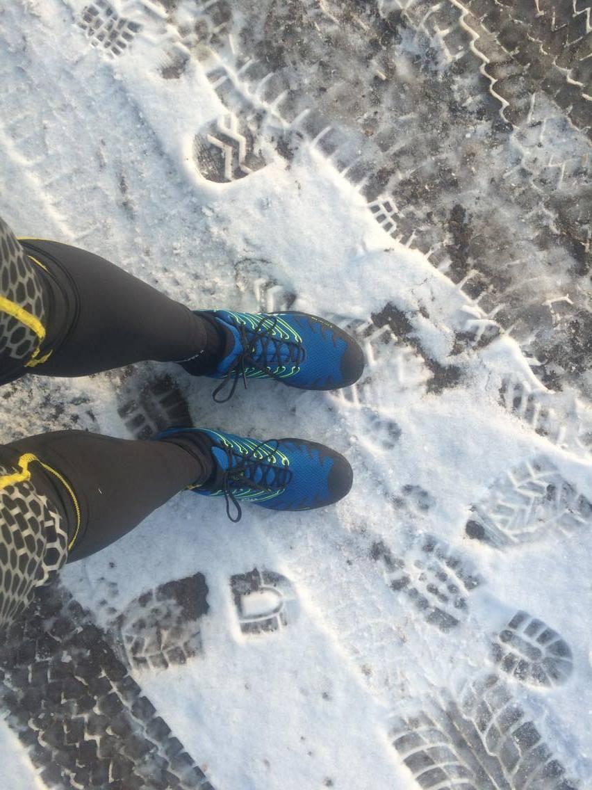 Sprang i mina nya skor Inov 8 X-Talon som finns på superpris på Huselius Skidsport. Skorna är riktigt sköna att springa i, trots snö och lite is, hade jag bra grepp i mina idag.