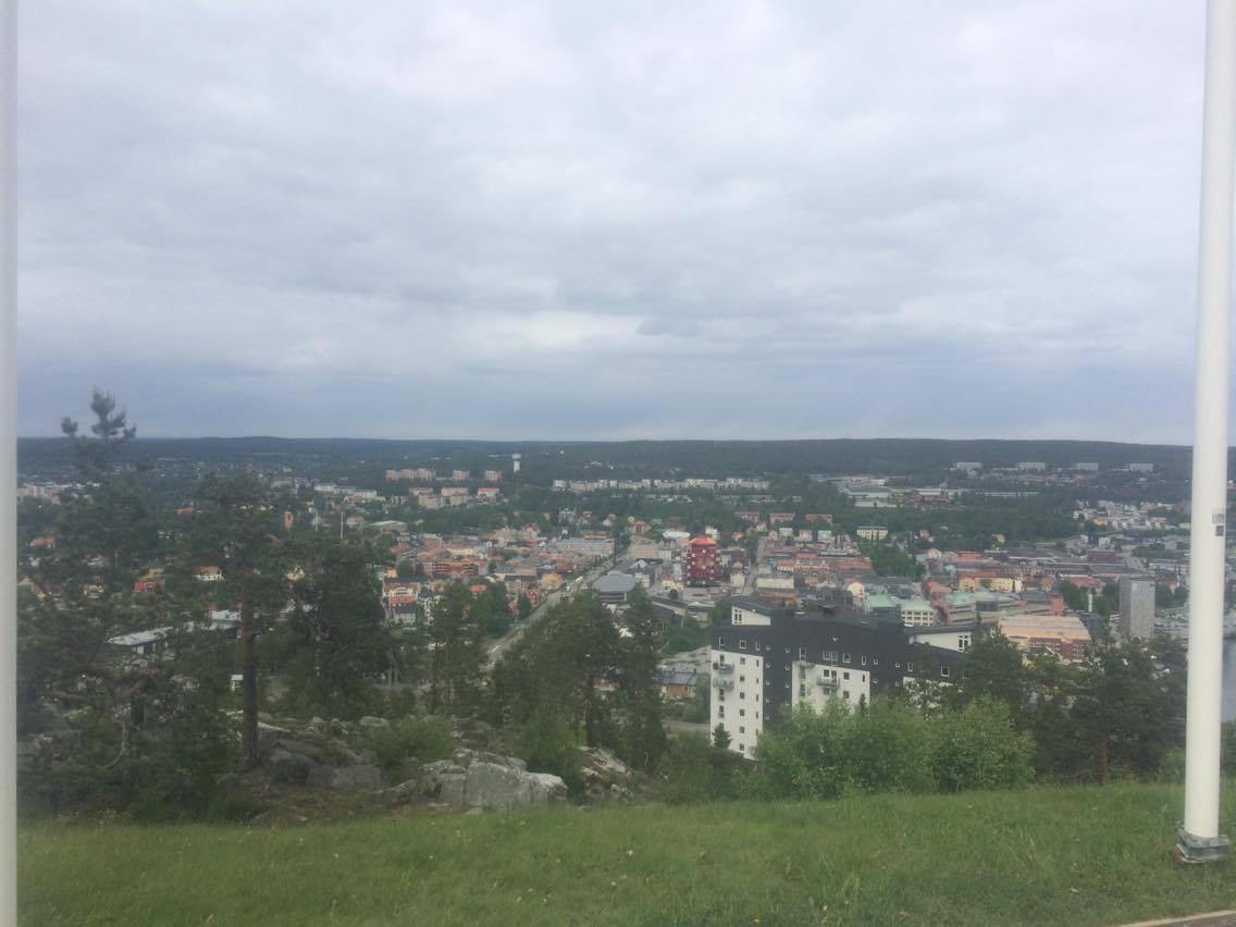 Vy över Ö-vik från Varvsberget