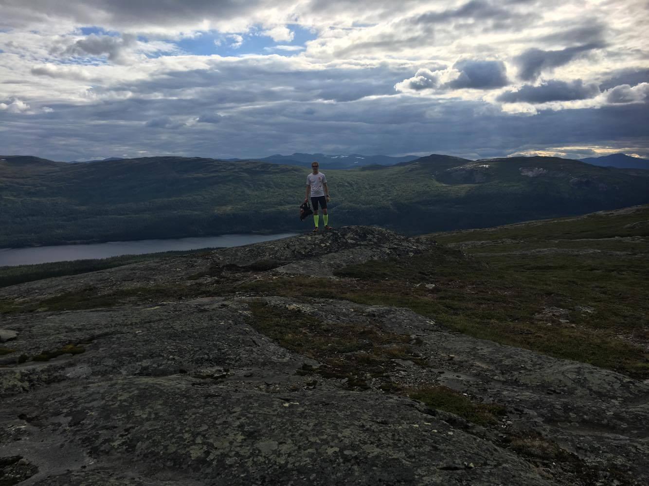 Bild från Ottfjället i somras, då fyra timmars löpning idag desto mindre.
