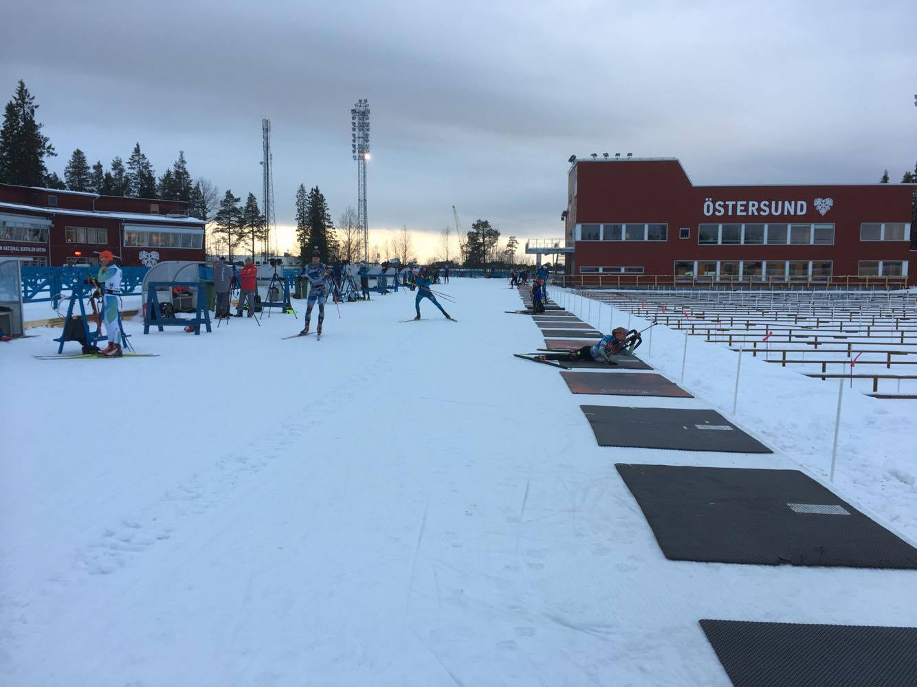 Många skidskyttar nu på Östersund Skidstadion