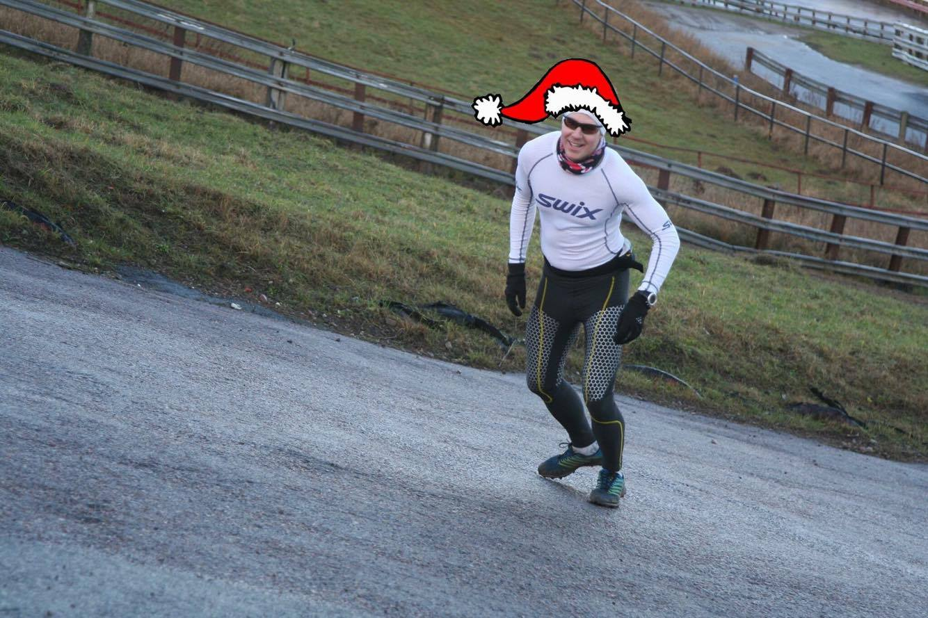Man var väl den löpande tomten igår. Foto: Oskar Henriksson